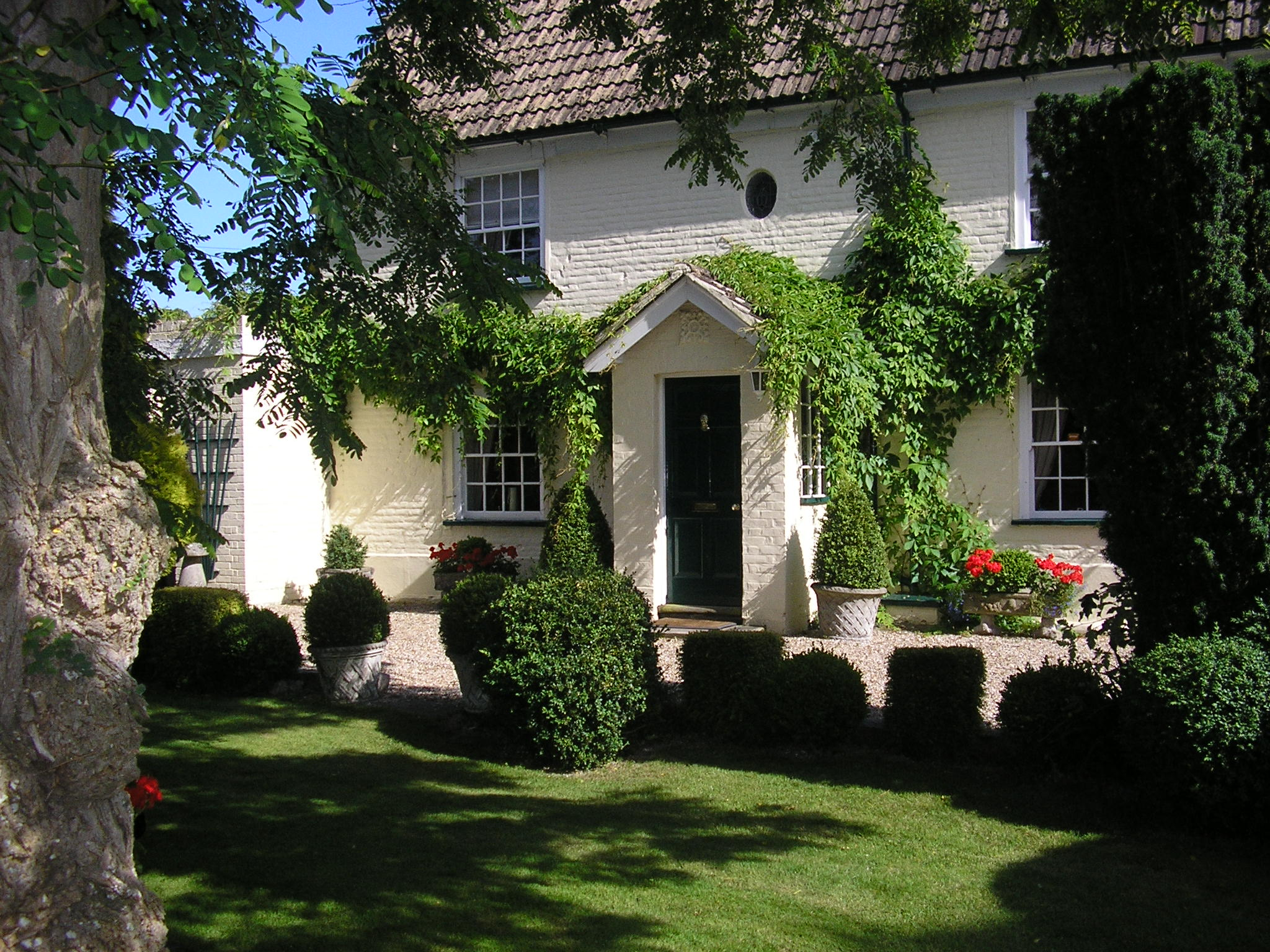 Solley Farmhouse, 18th century farmhouse, guest accommodation