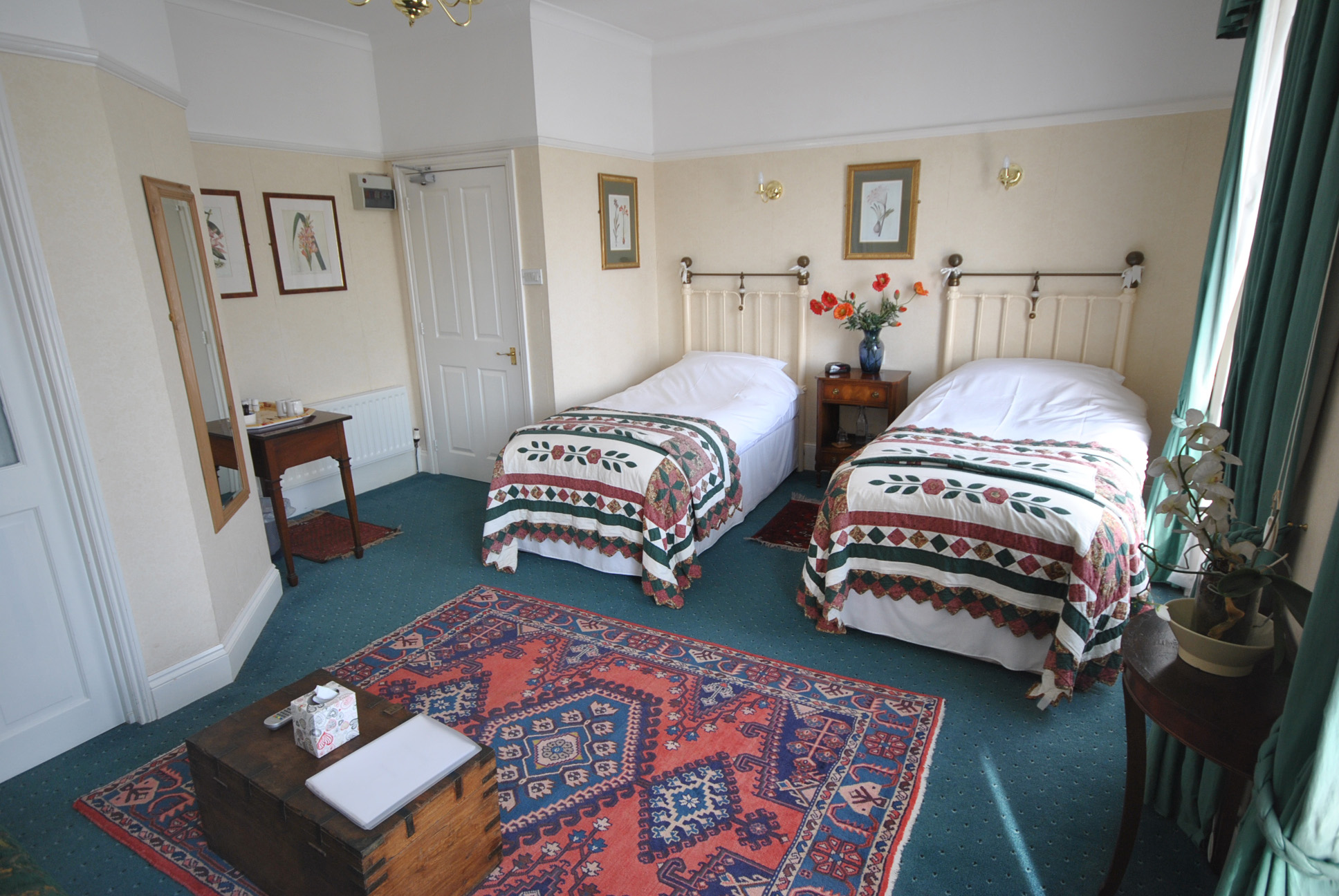 Churchill Guest House, Guest House, Twin room, Dover, Kent